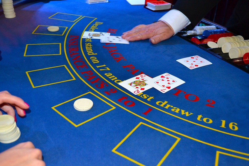 Embrace Blackjack to Become a Better Poker Player